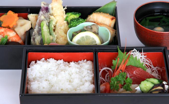 殿上桜弁当2,000円